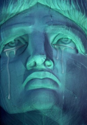 crying_lady_liberty
